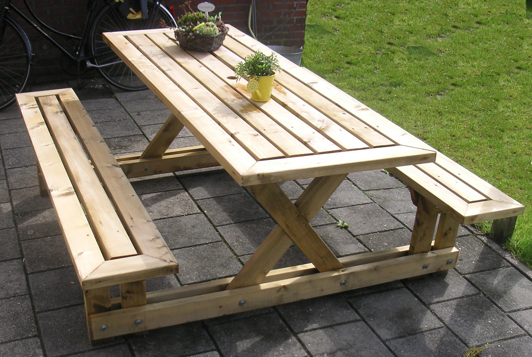 1477917793 easy diy patio furniture with pallets